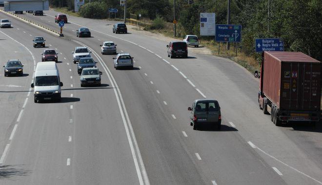 Foto: CNAIR inventariază gropile de pe șosele!