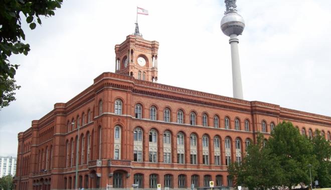 Foto: Responsabil  din Primăria Berlin, demis pentru legături cu Stasi