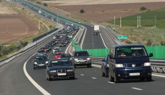 Se aglomerează Autostrada Soarelui, spre litoral. Pe unele tronsoane se circulă în coloană - restrictiidecirculatiepeautostra-1594447293.jpg