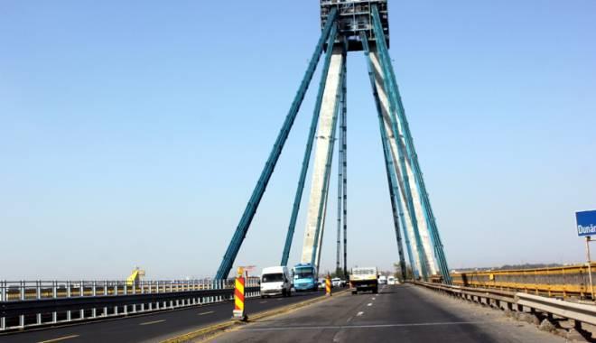 Foto: Aten�ie, �oferi! Restric�ii de circula�ie pe podul de la Agigea