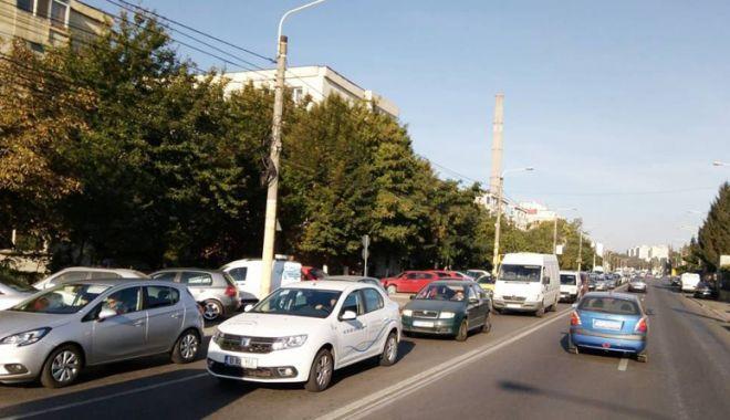 """Foto: """"Surpriză"""" pentru poliţiştii din Constanţa, pe bulevardul Aurel Vlaicu"""