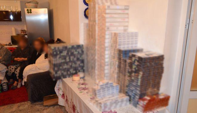 Foto: Reţea  de contrabandişti cu ţigări şi droguri, descoperită  de poliţiştii  de frontieră