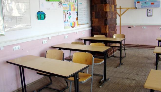 Foto: Reţeaua şcolară, reevaluată. Se vor redeschide şcoli