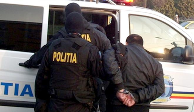 Foto: Norme noi de protecţie pentru poliţiştii din centrele de detenţie. Vor beneficia de analize, vor avea măşti şi mănuşi