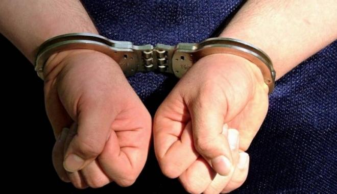 Foto: A intrat pe mâna poliţiştilor după ce a furat o trotinetă