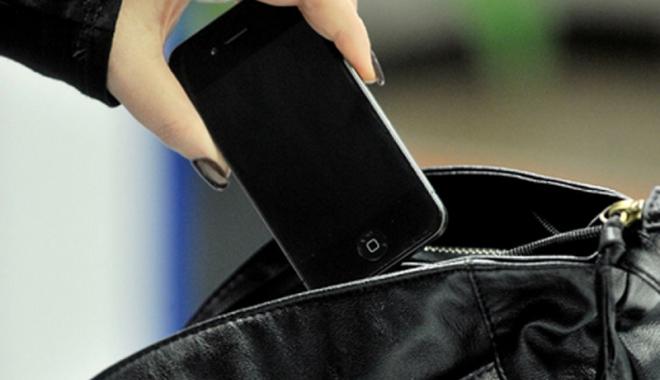 Foto: Reţinut după ce  a furat un telefon,  în staţiunea Mamaia