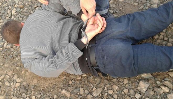 Foto: Tânăr cercetat pentru tentativă  de tâlhărie, la Constanţa