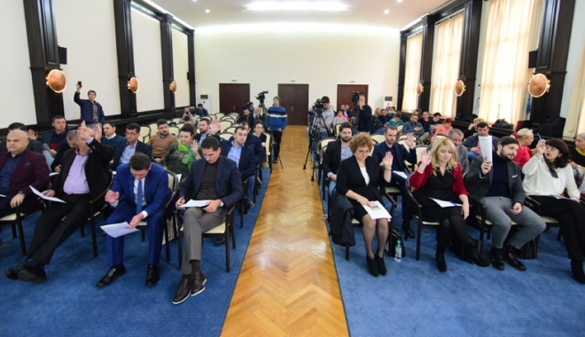 Foto: Foştii liberali Romeo Rezeanu  şi Horia Căliminte revin  în Consiliul Local Constanţa