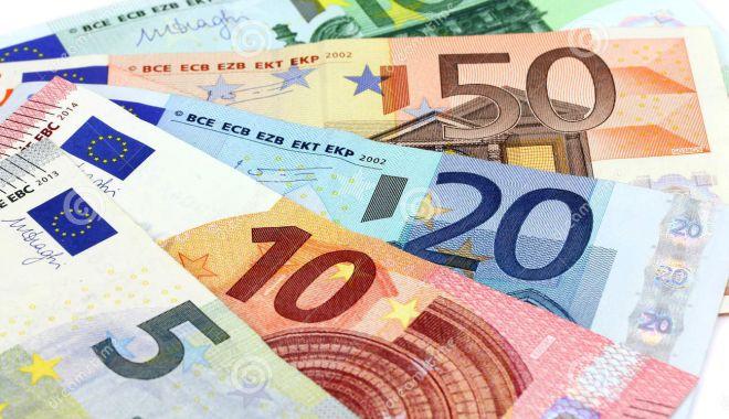 Foto: Rezervele valutare ale BNR sunt în scădere