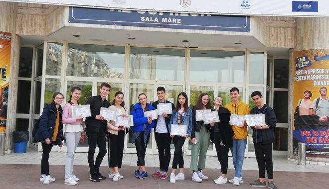 """Foto: Rezultate merituoase ale elevilor Colegiului """"Regina Maria"""" la Olimpiada de Arte Vizuale"""