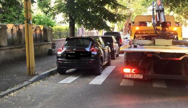 Foto: Primăria Constanța avertizează că se ridică mașinile parcate neregulamentar