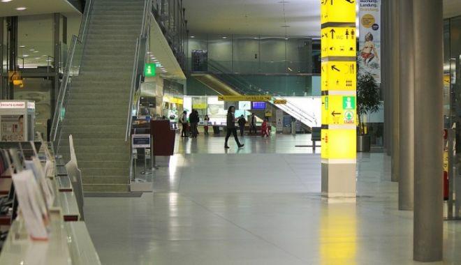 Foto: Droguri în Aeroportul Otopeni: un australian a încercat să introducă în ţară 3 kilograme de cocaină