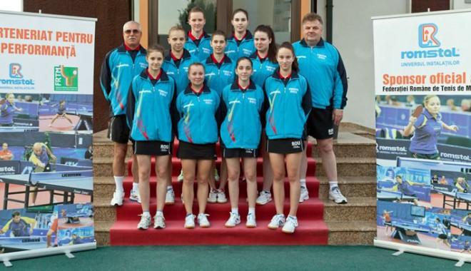 Foto: România, câştigătoare în grupele de calificare, la CE de tenis de masă