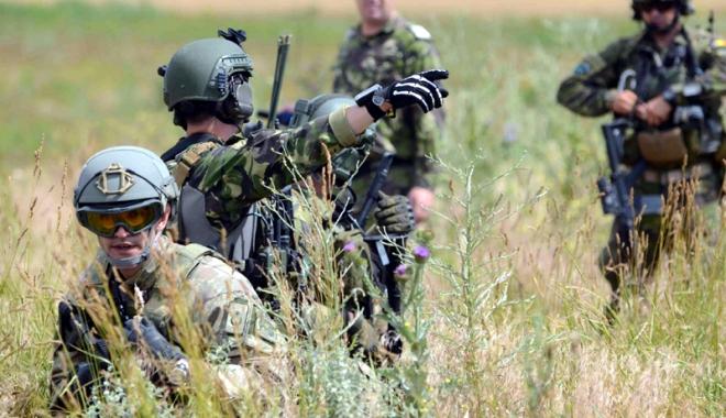 Foto: O întâlnire importantă pentru armata română
