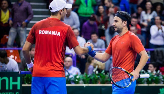Foto: România întâlneşte Luxemburg în efectiv complet