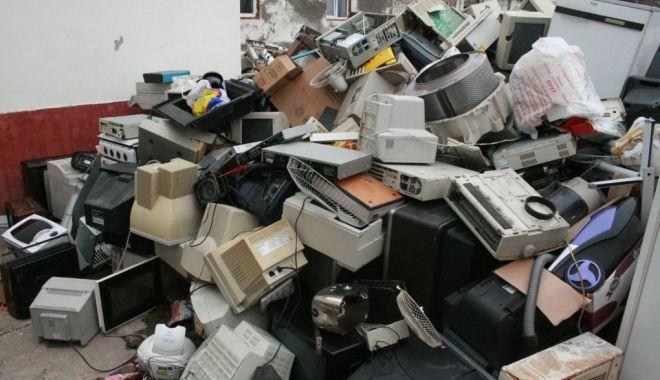 Foto: România, amenințată cu infrigement-ul în problema deșeurilor de aparate electrice și electronice