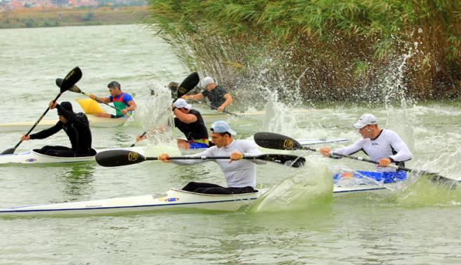 Foto: Aur mondial pentru România, la canoe
