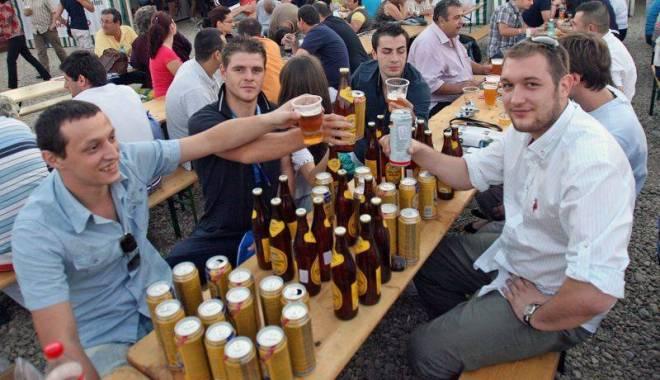 Foto: Românii au băut mai mută bere în 2015