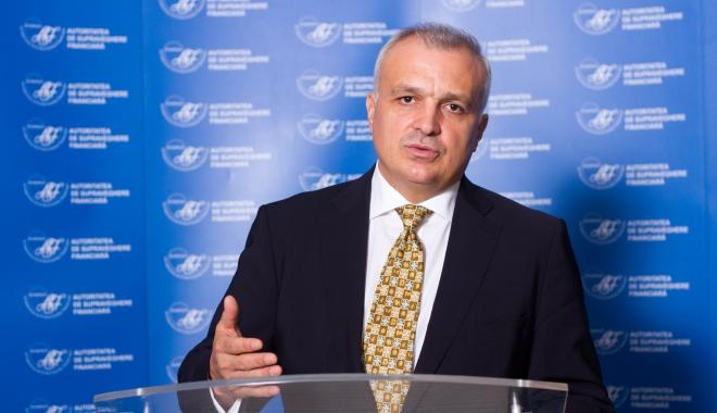 Foto: Românii economisesc, nu investesc, afirmă vicepreşedintele ASF