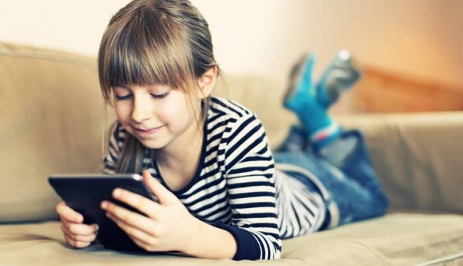 Foto: Românii, fani de gadgeturi!  Au cel puţin o tabletă sau un smartphone în casă