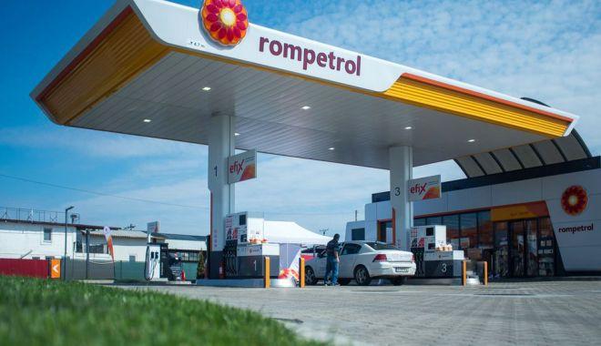 Foto: Rompetrol inaugurează prima stație  de alimentare din orașul Adjud