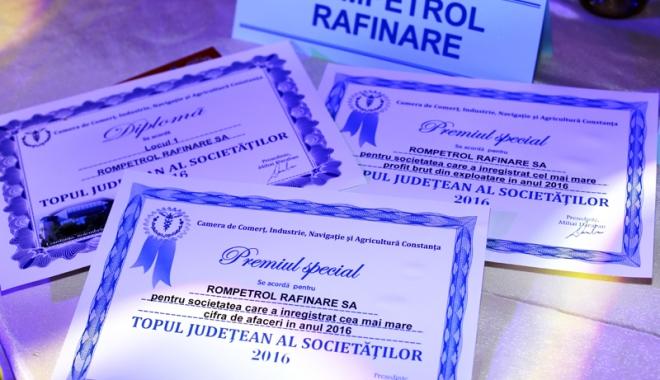 Foto: Rompetrol Rafinare, premiată pentru cifra de afaceri, profitul brut şi valoarea exporturilor din 2016