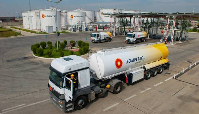 Foto: Rompetrol îşi cere insolvenţa. Care sunt cauzele şi ce efecte va avea în piaţă
