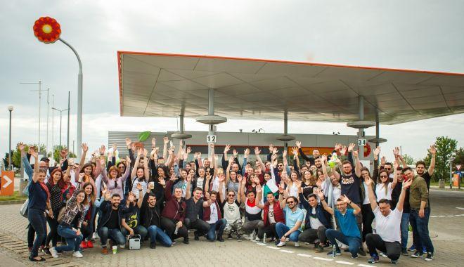 Foto: 100 de studenți din toată țara, în vizită la Rafinăria Petromidia
