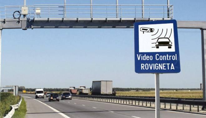 Foto: Emiterea rovinietelor şi plata taxei de pod vor fi întrerupte