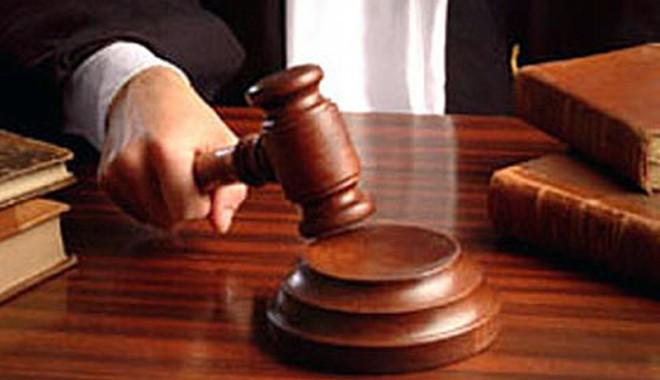 Foto: Rudele lui Bercea Mondial, trimise în judecată pentru şantaj
