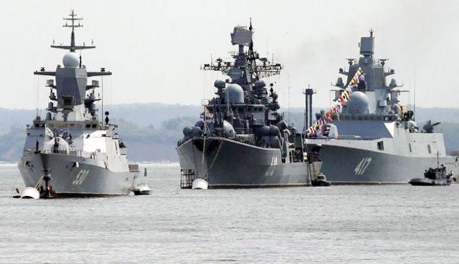 Foto: Rusia începe manevre militare la sud de strâmtoarea Kerci în Marea Neagră