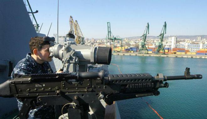 Foto: Criză în regiunea Mării Negre. România, cu ochii pe mişcările Rusiei