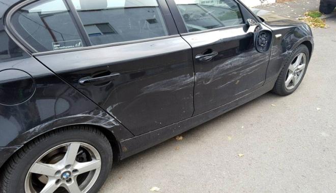 """Foto: Accident cu fugă de la locul faptei. """"Poliţia vrea să claseze dosarul!"""""""