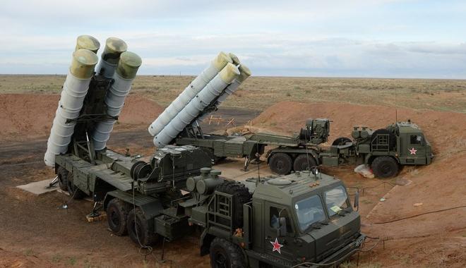 Foto: Rusia desfăşoară noi rachete S-400 în Crimeea