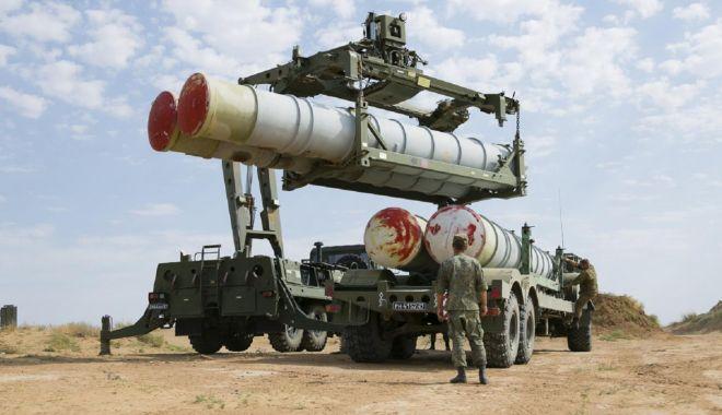 Foto: Turcia susţine că nu se va supune sancţiunilor SUA privind cumpărarea de sisteme de apărare ruseşti