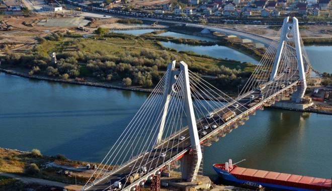 Foto: S-a făcut recepţia podului rutier de la km 0+540 al Canalului Dunăre - Marea Neagră