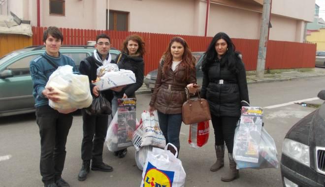 Șaguniștii aduc daruri din partea lui Moș Crăciun - sagunistii-1419153388.jpg