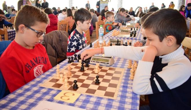 Foto: Nu-i păcăleală! Cupa Primăverii la şah a ajuns la ediţia a treia