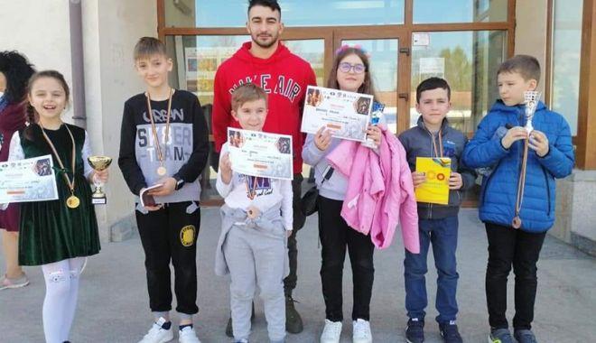 Foto: Şahiştii de la CS Năvodari, premiaţi  la Cupa Satori Art