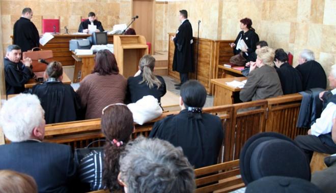Foto: Noi reguli în sala de judecată. Unii avocaţi constănţeni sunt revoltaţi!