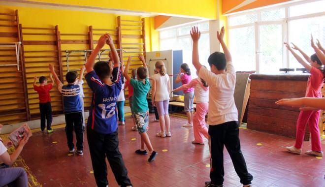 """Foto: ADEVĂRUL CRUNT din """"sălile de sport"""" ale şcolilor constănţene"""