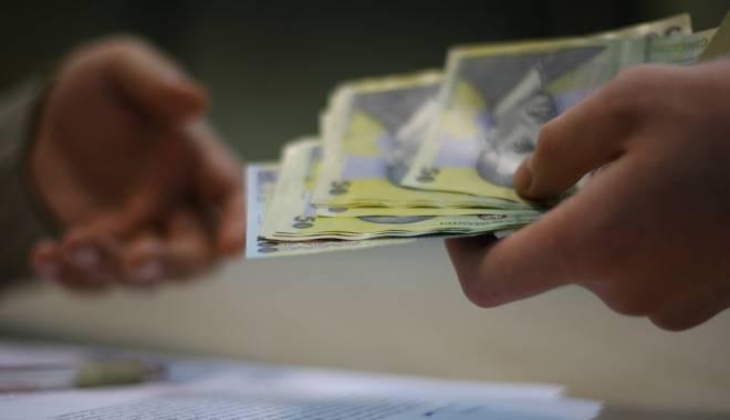 Foto: Ministerul Muncii. Se lucrează la modul de stabilire a salariului minim brut pe ţară