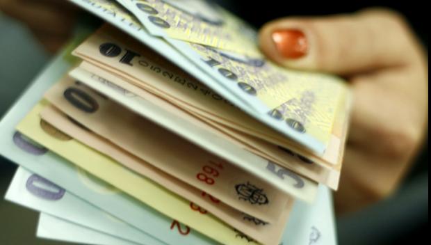 Foto: Majorarea salariului minim, amânată pentru săptămâna viitoare