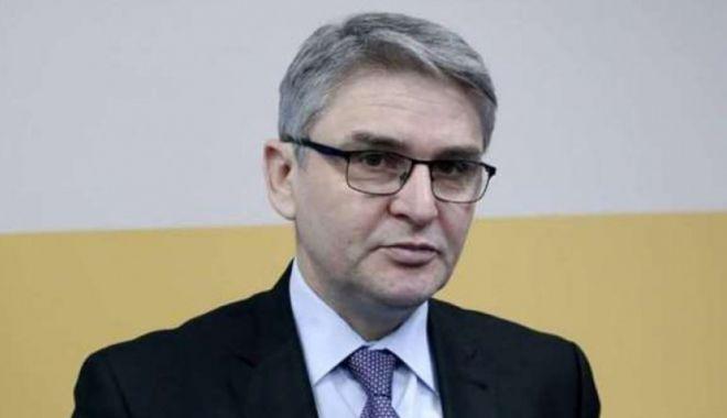 Foto: Ministru în vârstă de 53 de ani, mort din cauza coronavirusului
