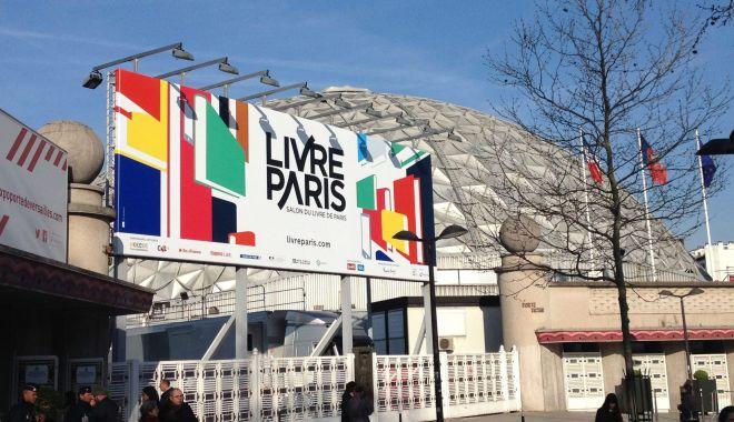 Foto: Salonul Cărţii de la Paris. Mari eforturi pentru a stopa declinul vânzărilor!