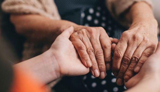 Foto: O femeie din Scoţia poate să îi simtă pe cei care au boala Parkinson. Cercetătorii au dezlegat misterul din spatele mirosului specific