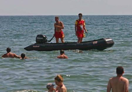 Marea agitată face victime: Un tânăr s-a înecat și doi copii au fost salvați în ultima clipă - salupasalvamar-1314511535.jpg