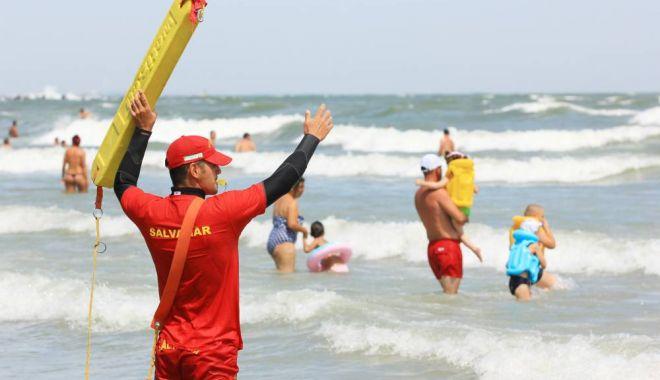Foto: VIDEO / NICIO ZI FĂRĂ TRAGEDII PE PLAJĂ! Tânăr înecat la Eforie Nord