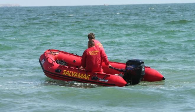 Foto: Două persoane înecate. Se intervine pentru salvarea victimelor