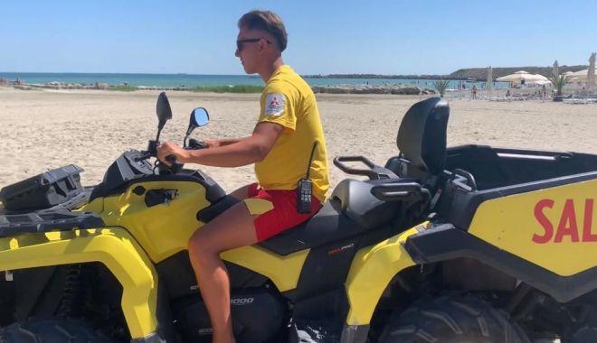 Foto: Puncte de prim-ajutor pe plajele de pe litoralul românesc
